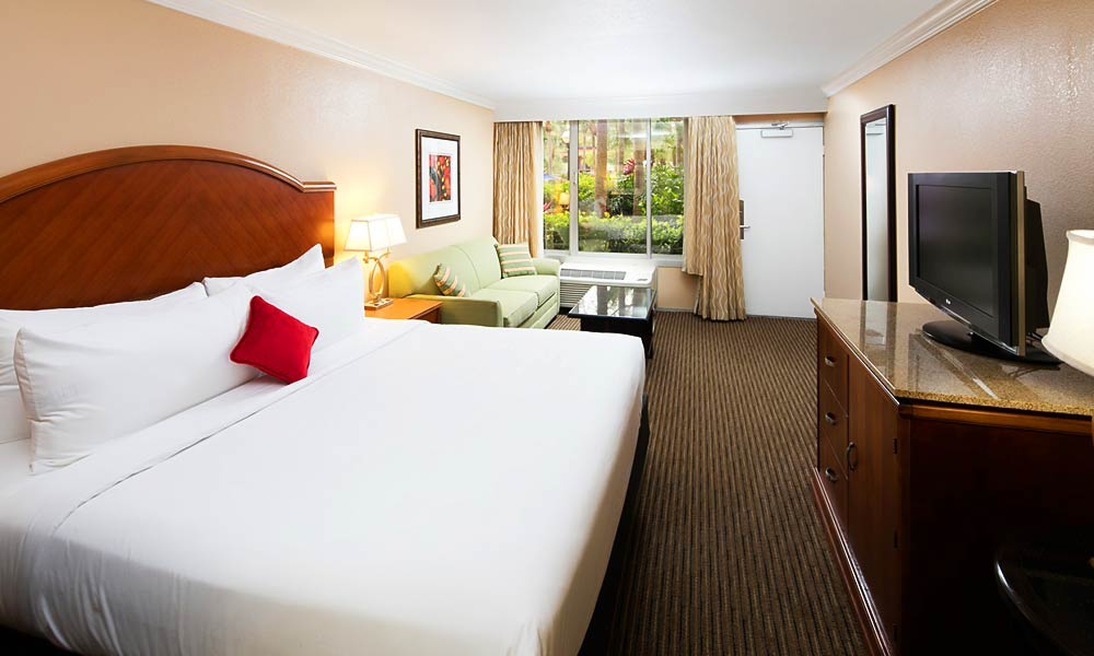 Red_Lion_Hotel_Orlando_KissimmeeMaingate_Guestroom_01