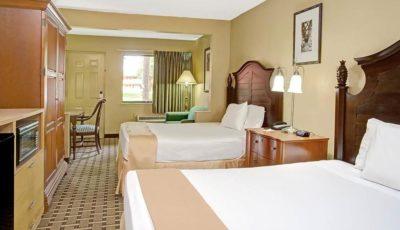Travelodge_Suites_East_Gate_Orange_Guestroom_02